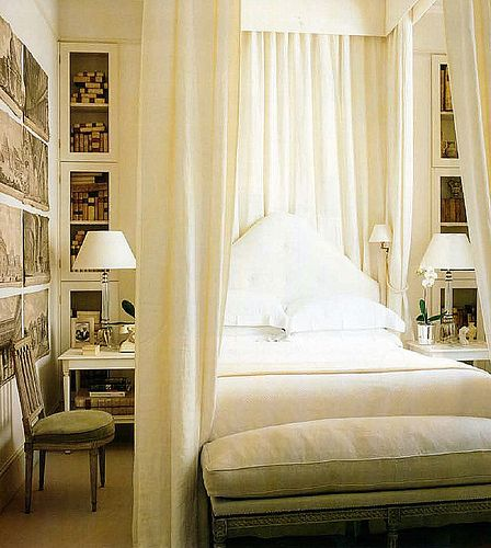 Beautiful bed. Love the built-in cabinets beside it.: Beds Rooms, Small Bedrooms, Guest Bedrooms, Bedrooms Design, White Bedrooms, Canopies Beds, Guest Rooms, Bedrooms Decor, Beds Curtains