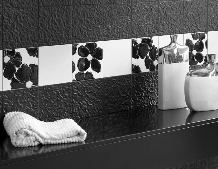 Piastrelle nere bagno tx09 regardsdefemmes - Incollare piastrelle su piastrelle bagno ...