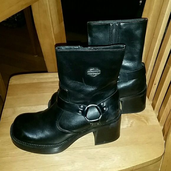 """Ladies Biker Boots Black leather 6"""" boot. NIB , bulk heel nice boots. These will make someone very happy @ Christmas ♡ Harley Davidson  Shoes"""