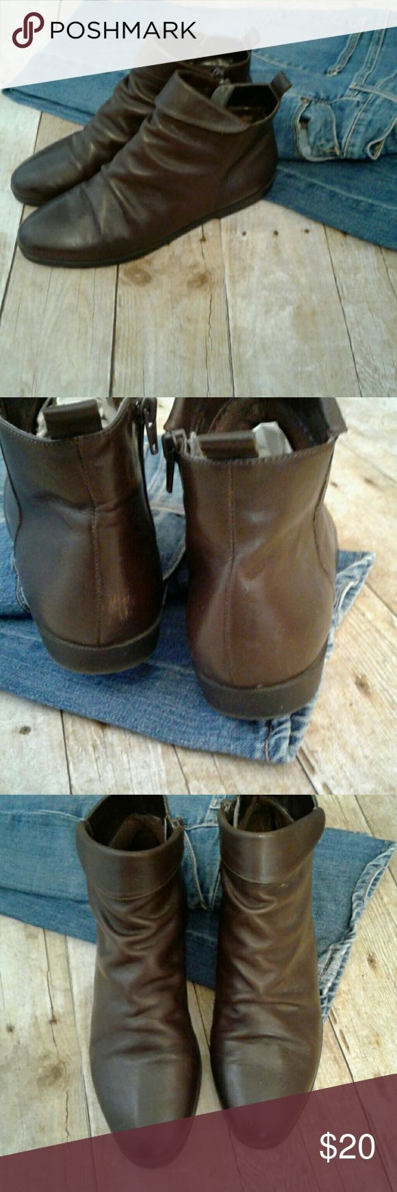 Brown Ankle Boots Size 8.5. Dark brown zips up the side. Zippers work fine.  Leather boots with rubber soles. Preowned an in Great condition.  Lightly worn a few times. Thanks! Shoes Ankle Boots & Booties