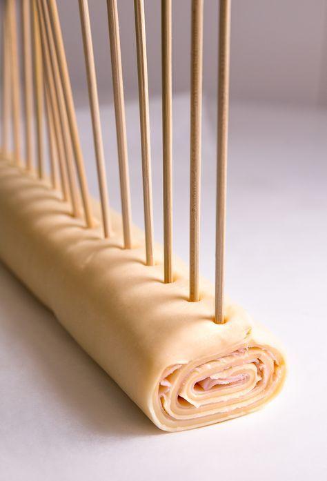 Cómo hacer piruletas de jamón y queso con hojaldre