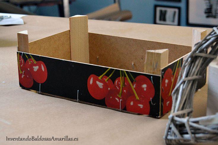 Reciclar cajas de frutas con papel de arroz