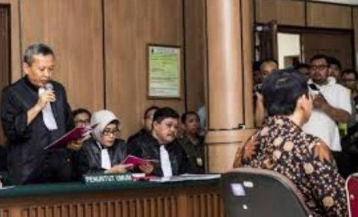 Pengadilan Tinggi DKI Jakarta Wajib Tolak Banding Vonis Ahok  KONFRONTASI -  Front Pembela Islam (FPI) mendesak hakim Pengadilan Tinggi (PT) DKI menolak upaya banding yang diajukan Jaksa Penuntut Umum (JPU) terkait vonis 2 tahun penjara terdakwa penista agama Basuki Tjahaja Purnama alias Ahok.  Hakim Pengadilan Tinggi (PT) Jakarta bisa membedakan hukuman yang diterima Ahok. Ahok layak divonis penjara 5 tahun seperti tuntutan umat Islam dan hukuman yang diterima penista agama selama ini…