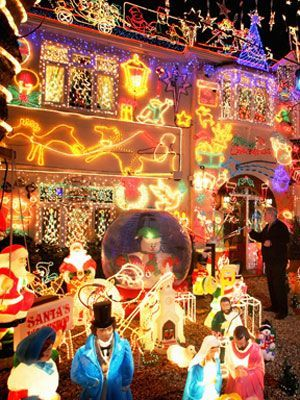 Crazy Outdoor Christmas Lights at WomansDay - Photos of Outdoor