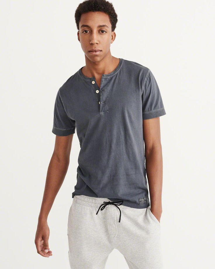 A&F Men's Short Sleeve Garment Dye Henley in Navy Blue - Size XXL