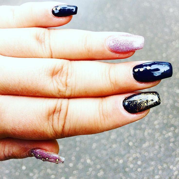 #nails #nail #fashion #style #TagsForLikes #cute #beauty #beautiful #instagood #pretty #girl #girls #stylish #sparkles #styles #gliter #nailart #art #opi #photooftheday #essie #unhas #preto #branco #rosa #love #shiny #polish #nailpolish #nailswag @crystyna_nails