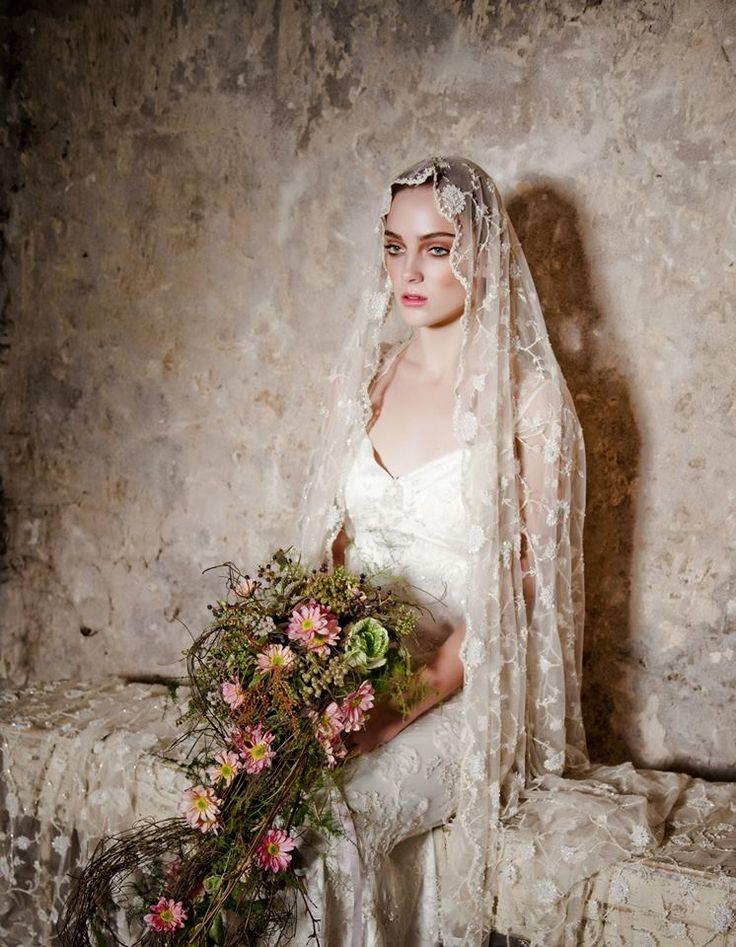 Claire Pettibone 'Mystere' #weddingdress http://www.clairepettibone.com/bridal/?cp=gowns/mystere | Photo: Laura Tait Photography via Primrose & Finch