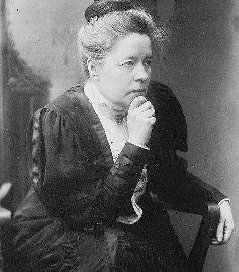 Selma Lagerlöf Az 1858-as születésű svéd írónő, Selma Ottilia Lovisa Lagerlöf volt az első nő, akit - 1909-ben - irodalmi Nobel-díjjal tüntettek ki. Az újromantika és az impresszionizmus jeles képviselője volt, valamint Nils Holgersson megalkotója.