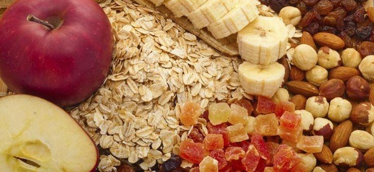 ¿Sufres constantemente de problemas digestivos tales como el estreñimiento? Conoce más sobre la fibra alimentaria, sus beneficios y una lista de alimentos ricos en fibra.