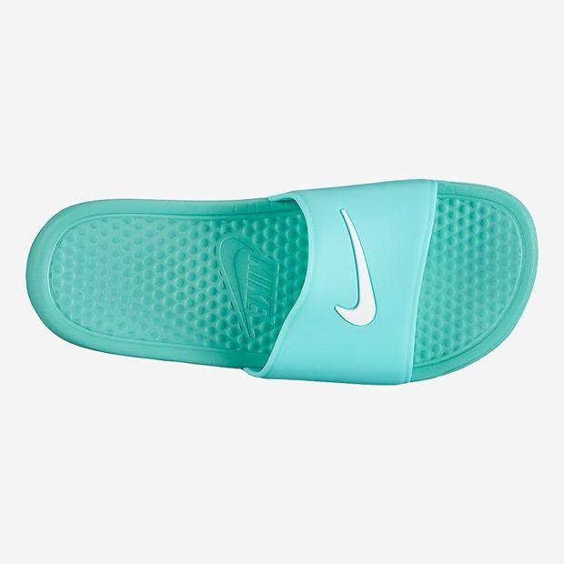 Chinelo Benassi Shower Slide Feminino - Todos no Nike.com.br