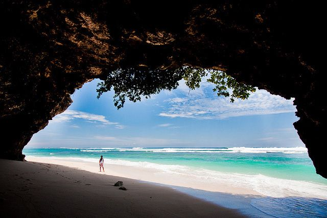 5 hidden beach paradise that Balinese would never tell you (Abandoned utopia – Green Bowl Beach)