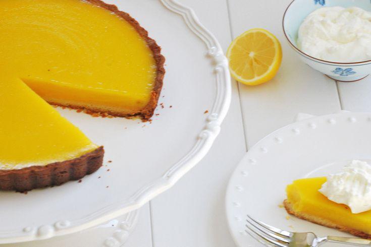 Πεντανόστιμη λεμονόπιτα που τη φτάχνει και αρχάριος, χωρίς ζάχαρη