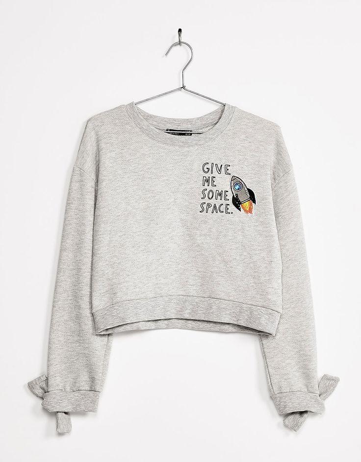 Bowed sweatshirt with sleeve patches - Sweatshirts & Hoodies - Bershka France