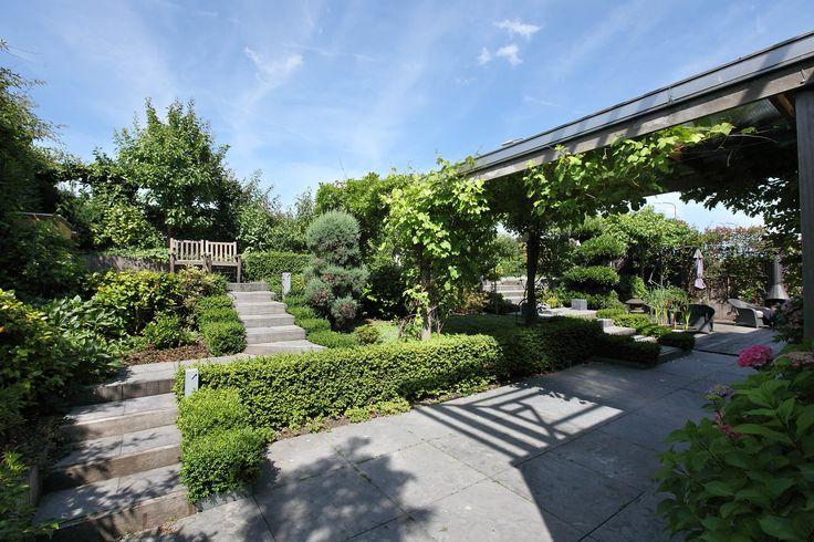 25 beste idee n over tuin trappen op pinterest buiten trappen hellende achtertuin en - Tuin hellende ...
