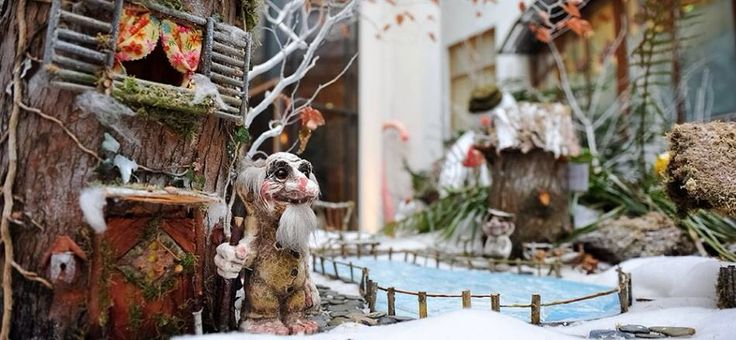 Take a magical walk around our winter garden created by the Grow Project. From a cosy viewing area, watch the polar bears and their babies playing on a snow covered glacier. The garden has very special powers where it snows everyday. The Polar Bear Garden will be located at Santa's Grotto at City Hall http://www.winterval.ie/events/new/polar-bear-garden-by-the-grow-project