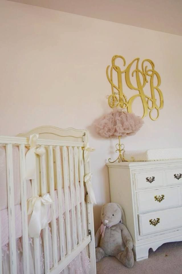 Glam pink and gold nursery. Look at the luxe wall monogram!: Babies, Nursery Pink And Gold, Baby Girl, Baby Shower Room Etc, Baby Nursery, Ava S Nursery, Wall, Girl Rooms