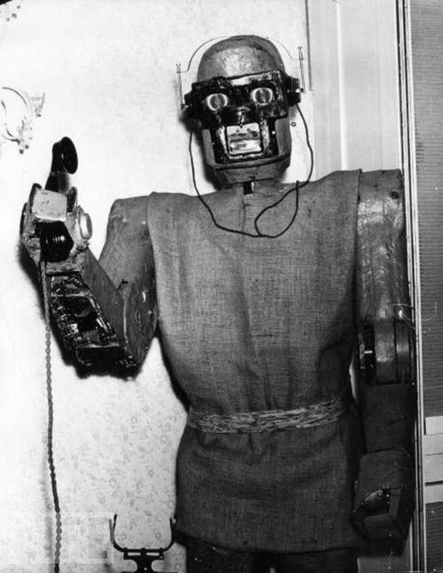 Robot qui décroche le téléphone - Claus Scholz - 1964.