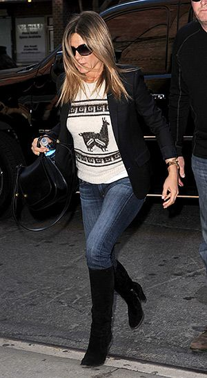 Jennifer Aniston out and about in NYC (April 29, 2015), wearing an Isabel Marant top, Tom Ford Jennifer Sunglasses and a  The Row Caviar-Grain Leather Hunting Bag. #jenniferaniston #style
