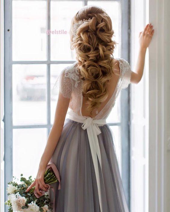 Elstile long curly wedding hairstyle - Deer Pearl Flowers / http://www.deerpearlflowers.com/wedding-hairstyle-inspiration/elstile-long-curly-wedding-hairstyle/