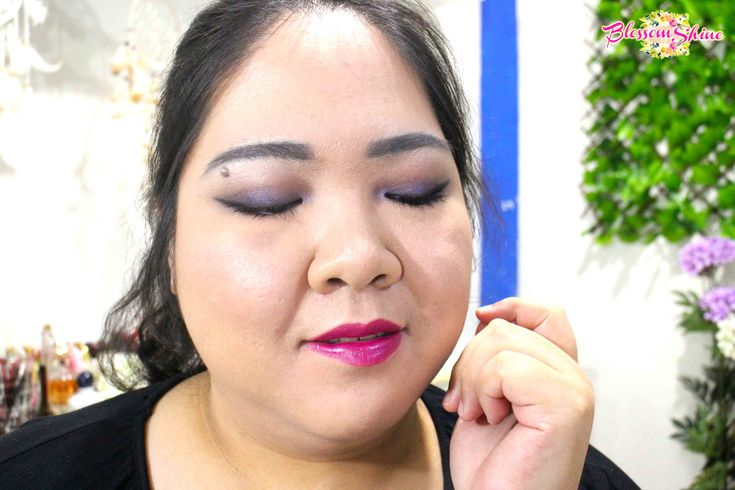 Ultraviolet Makeup 09 . #blossomshine #makeup #makeupcollaboration #stillainthemoment #purpleeyeshadow #ultraviolet #Pantone2018 #smokeyeyes #purplesmokeyeyes