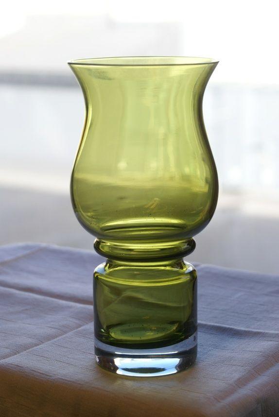 Grønn vase fra Finland- Tulppaani- Tamara Aladin Riihimäen Lasi