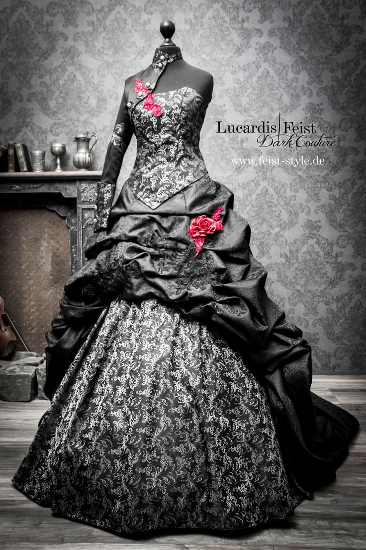 Victorian Gothic Bridal Dresses Gothic Gothicwedding Gothic Wedding Dress Steampunk Wedding Dress Black Wedding Gowns [ 1105 x 736 Pixel ]