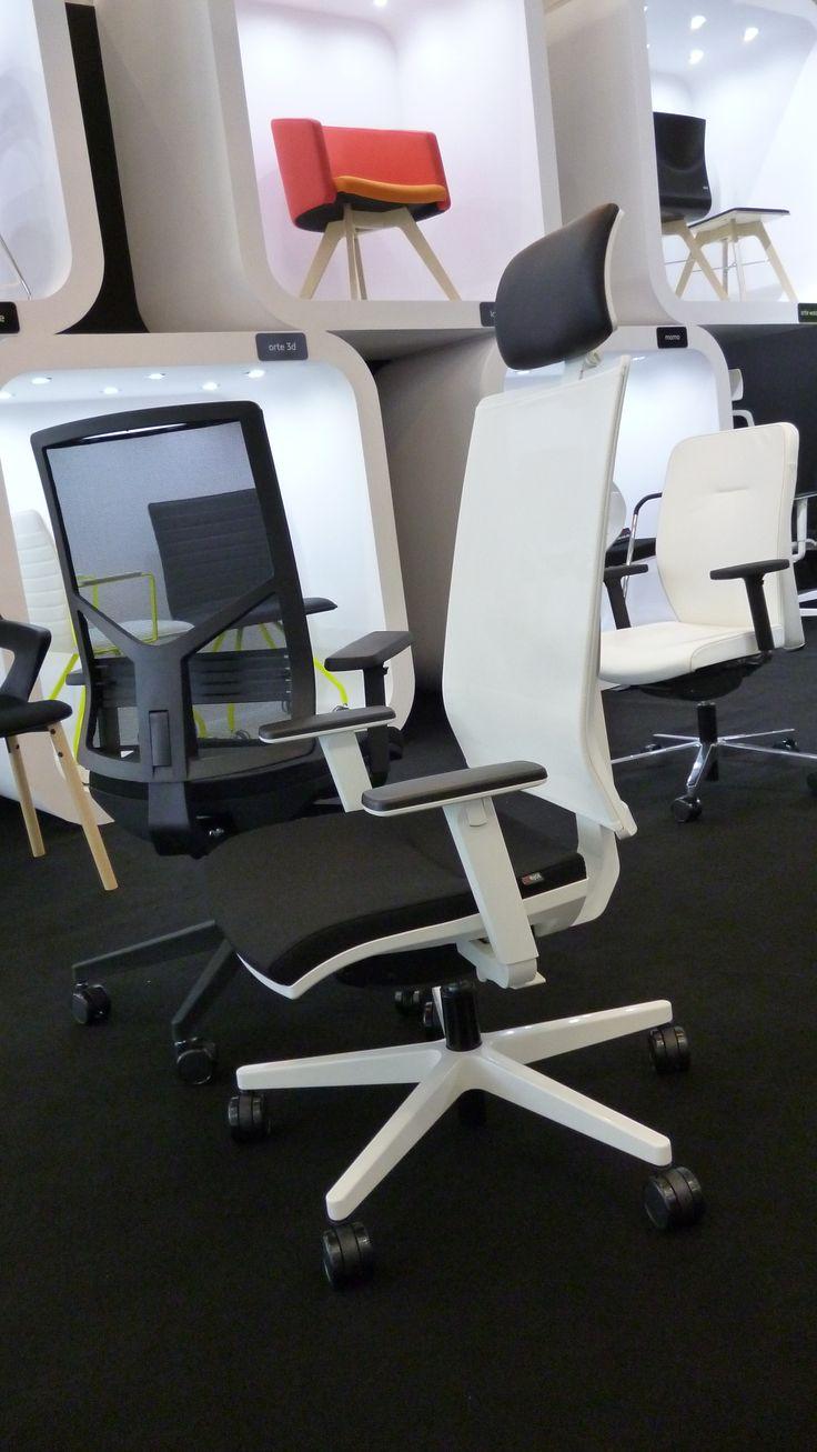 Noul scaun de birou ergonomic Omnia de la Antares Romania SRL. www.scaune.ro