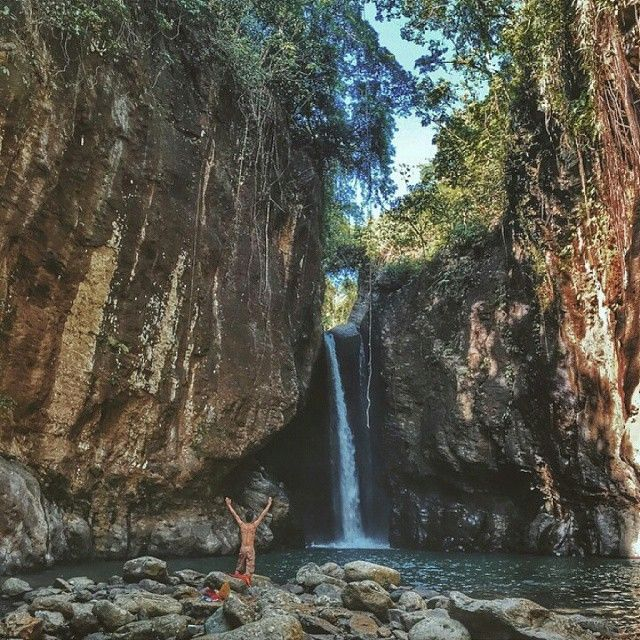 @bakemason takes a hike to visit Bagumbong Falls in Biliran.  Pocketed in gigantic boulders, it's a spectacle to see with rarely any tourists visiting!  Know any undiscovered sites you'd like to share? Use #Biyaheroes so we can feature them!  #Pilipinas #Biliran #Leyte #litratongpinoy #Travelgram #falls #undiscovered #amazing #Leyte #Visayas #TravelPH #iphone6 #adventure #backpack #explore