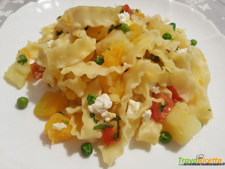 Pasta reginette con zucca, patate, pisellini, pomodori e quartirolo  #ricette #food #recipes