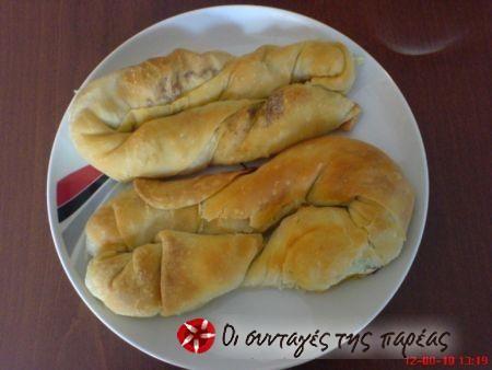 Στριφτή κολοκυθοτυρόπιτα #sintagespareas zuccini and cheese twisted pastries.
