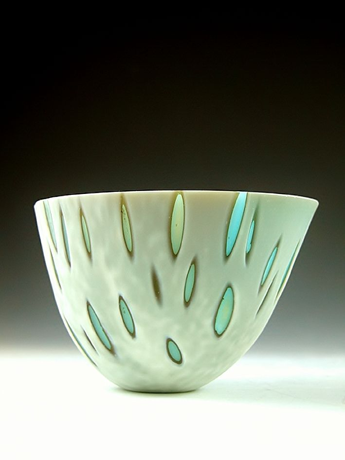 Amanda Simmons  #ceramics #pottery This is kilnformed glass, not ceramics