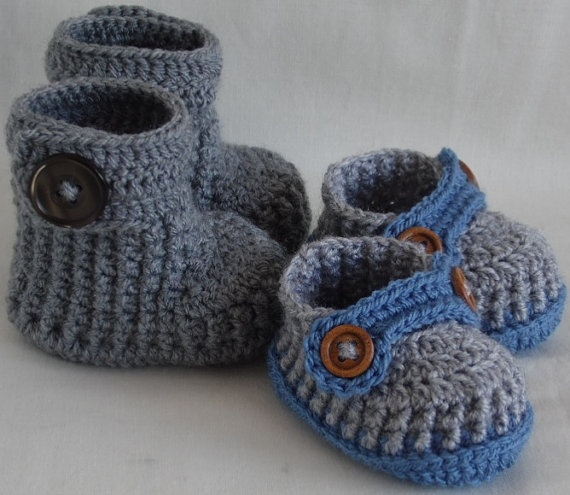 2 pairs crocheted baby booties