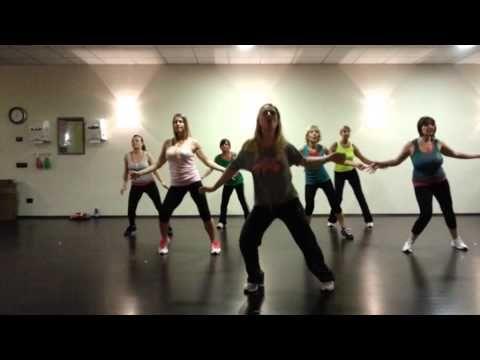 """ZUMBA-Maria (Ricky Martin):LAURA MESI con le mie fantastiche allieve del """"Moving"""" - YouTube"""
