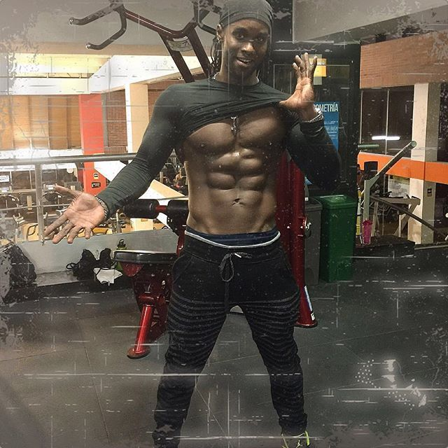 If you want To look like these, you could Ask @billy_francis_b how he did it!!!He is a great artist From San Andrés, that we highly recommend http://youtu.be/IvoD6kHVTOI #fashion #moda #music#dancehall #reggaeton #reggae#jokes#sanandresislas #sanandres#sanandrésyprovidencia #sanandrésyprovidenciaislas #colombia #colombiarealismomagico #colombiarealismomágico #realismomagico #realismomágico #realismomágico #realismomágico⛅ #trip #travel #traveling #travelling #traveladdict #missing...