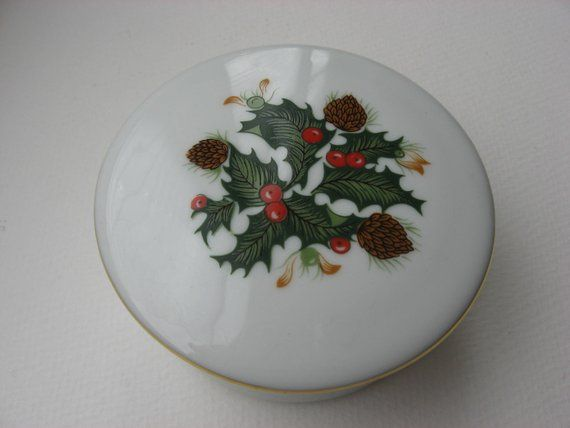 Mid Century Holly Holiday Christmas Trinket/ Gift/Jewelry/Candy Box