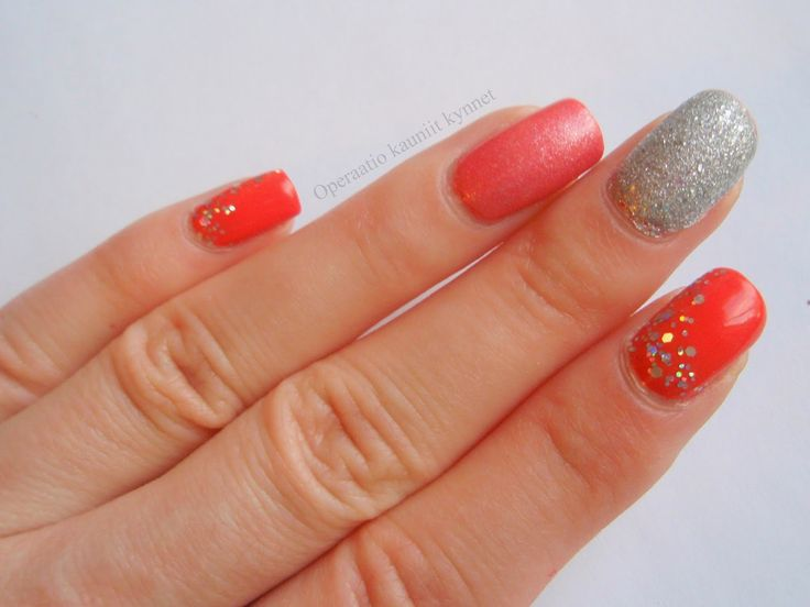 OPI Call Me Gwen-ever, IsaDora Diamond Crush, Sally Hansen Chic Pink & OPI Snowflakes In The Air
