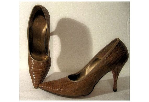 Vintage 1950s Heels Alligator Brown Pumps door ByMidnightSparkle, $60.00