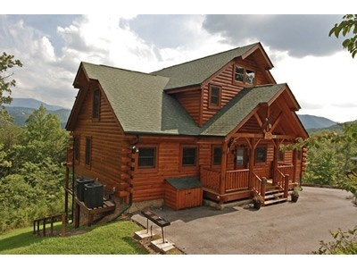 17 best images about cabins on pinterest 2 step luxury for Moose creek cabins pigeon forge tn