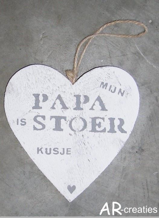 vaderdag...verras je papa met een hart met tekst en om het persoonlijk te maken zetten we jouw naam of de naam van je kindje/kinderen eronder!