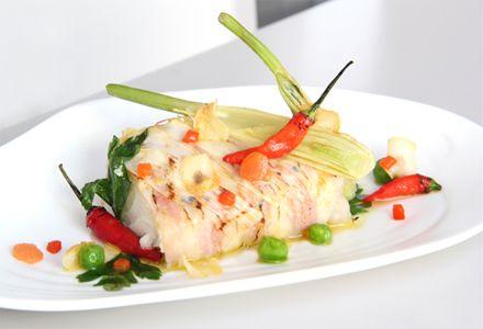 Bacalao confitado con piel de panceta y verduras | Corazón de Melón Magazine