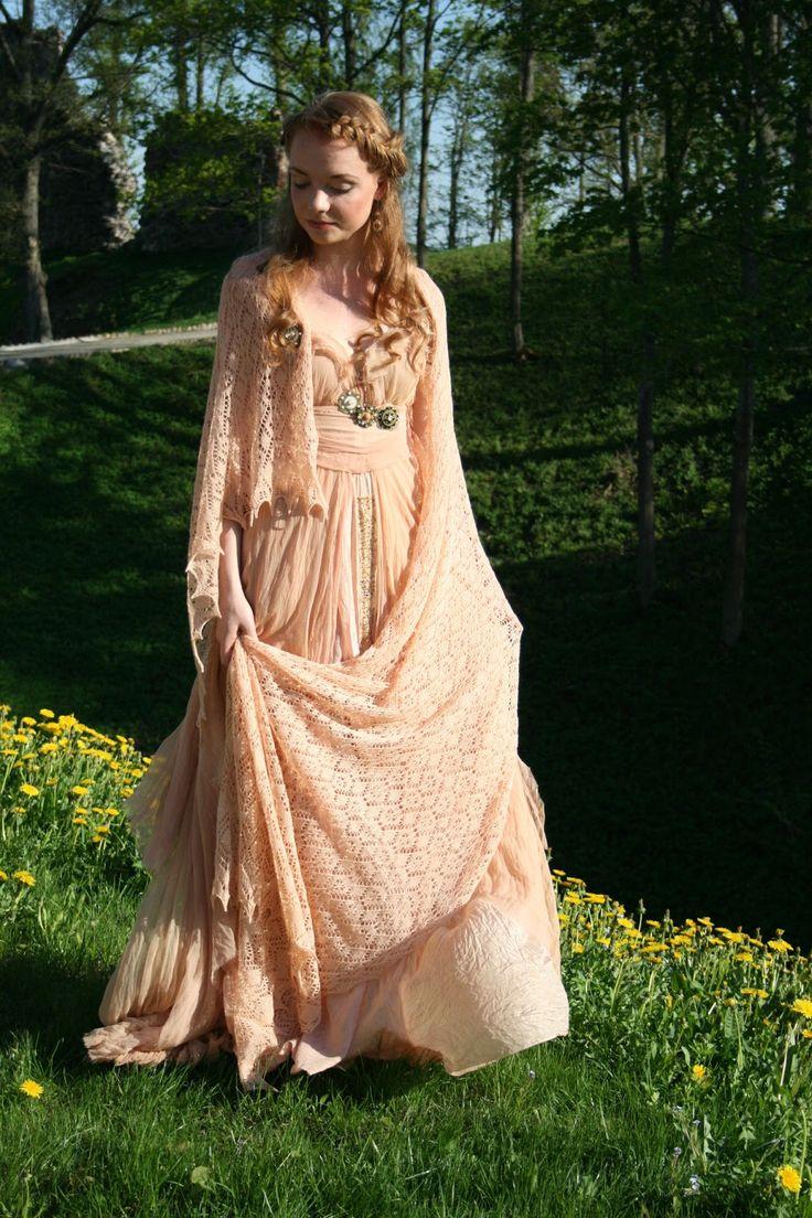 LEE REINULA DESIGN Knitted lace shawl with silk chiffon dress