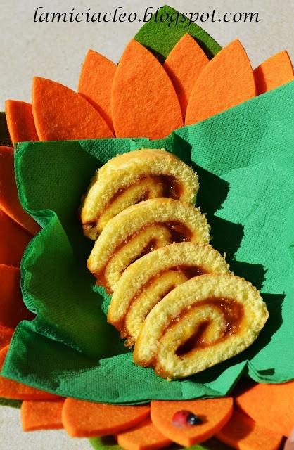 Girelle con marmellata di albicocca
