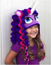 Crochet unicorn / pony hat pattern. This can be customized to look like your favorite my little pony or simply a beautiful unicorn in your favorite colors. Pattern for a dragon hat that can look like Twilight Sparkle's friend Spike will be released soon at www.briabby.com