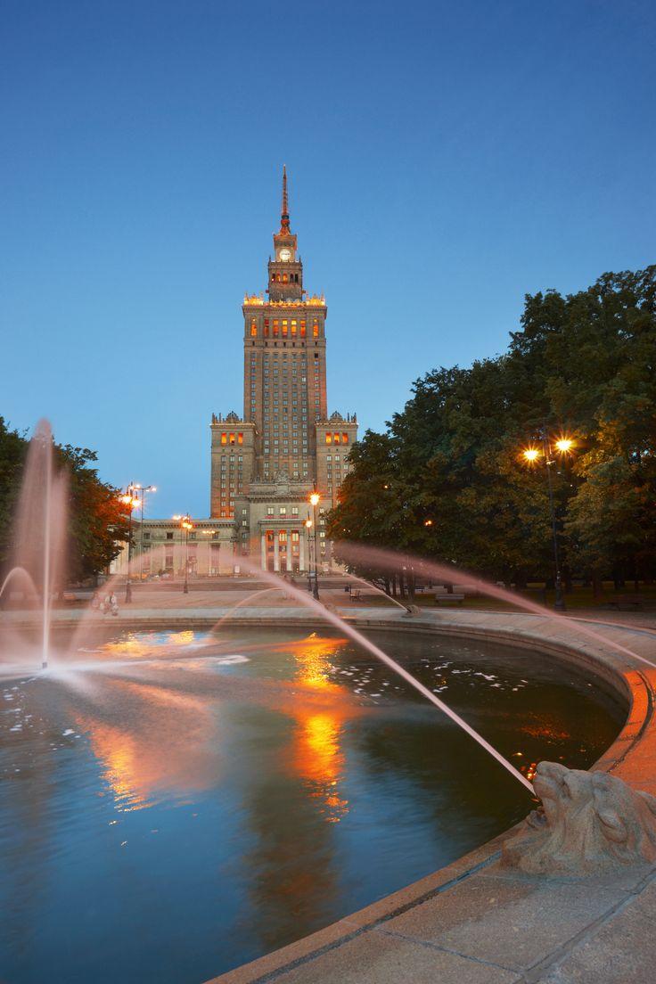 Warszawa  www.polen.travel/sv/stader-och-stadslivet/warszawa-en-spannande-stad