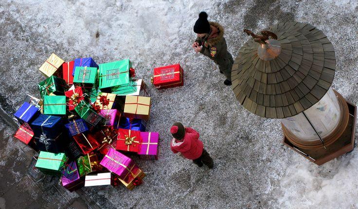 Μην «πνίγετε»το παιδί σας στα δώρα!
