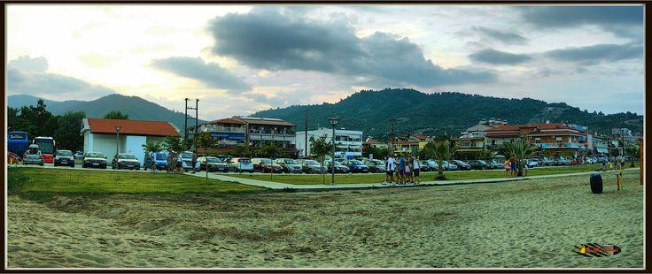 Car and bus parking, Sarti, Halkidiki, Greece, Nikon Coolpix L310, panorama mode photo: segment 3, HDR-Art photography 2014.