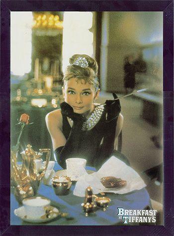 フレーム ポスター 『オードリー・ヘプバーン /テーブル(ティファニーで朝食を)』 約A3サイズ