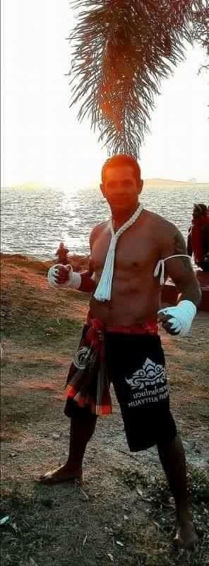 Beach training in Rayong Suan Son Muay Thai #suansonmuaythai #muaythai #muaythaifighter #Hardwork #rayong #kohsamed #blessed #Dedication #benchpress #thailandgym #banphe #thaiboxing #boxing #fightgirls #google #martialarts #mma #boxing #webuildchampions  #soidogs #champion #ufc #inspire #thailand #suanson #asia