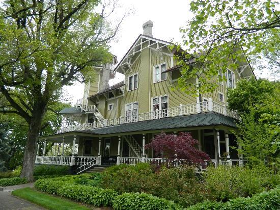 Point of Interest: Black Point Estate, Lake Geneva, WI