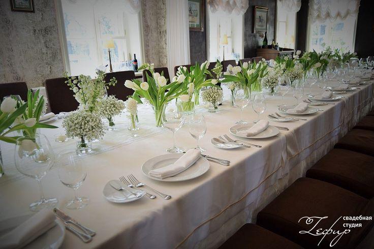 Белые цветы в ресторане Даниэль – 8 фотографий